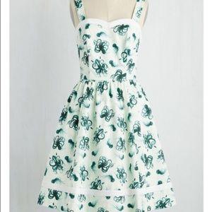 NWOT Alfresco in Avignon Dress MODCLOTH - Large